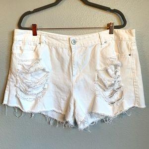 FOREVER 21 Plus Size White Denim Distressed Shorts